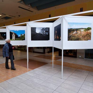 System ekspozycji wystawy fotografii dla Pasażu Świętokrzyskiego